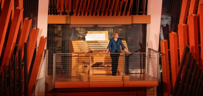 Jan Kraybill at the Kauffman Organ